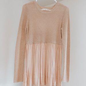Blush sweater with flowy bottom